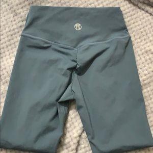 TYC Booty Scrunch leggings